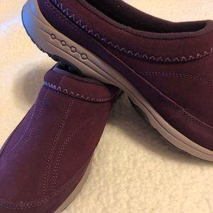 Easy Spirit Maroon Slip On Size 11